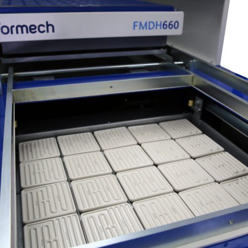 Formech FMDH660_3 quartz heaters